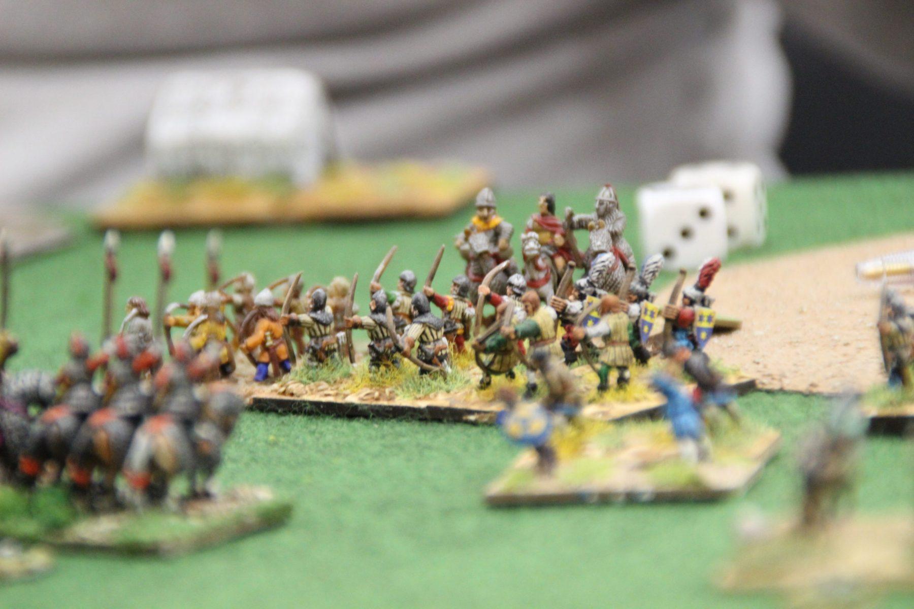 Archers anglo-irlandais tirant sur la cavalerie Ghaznévide.
