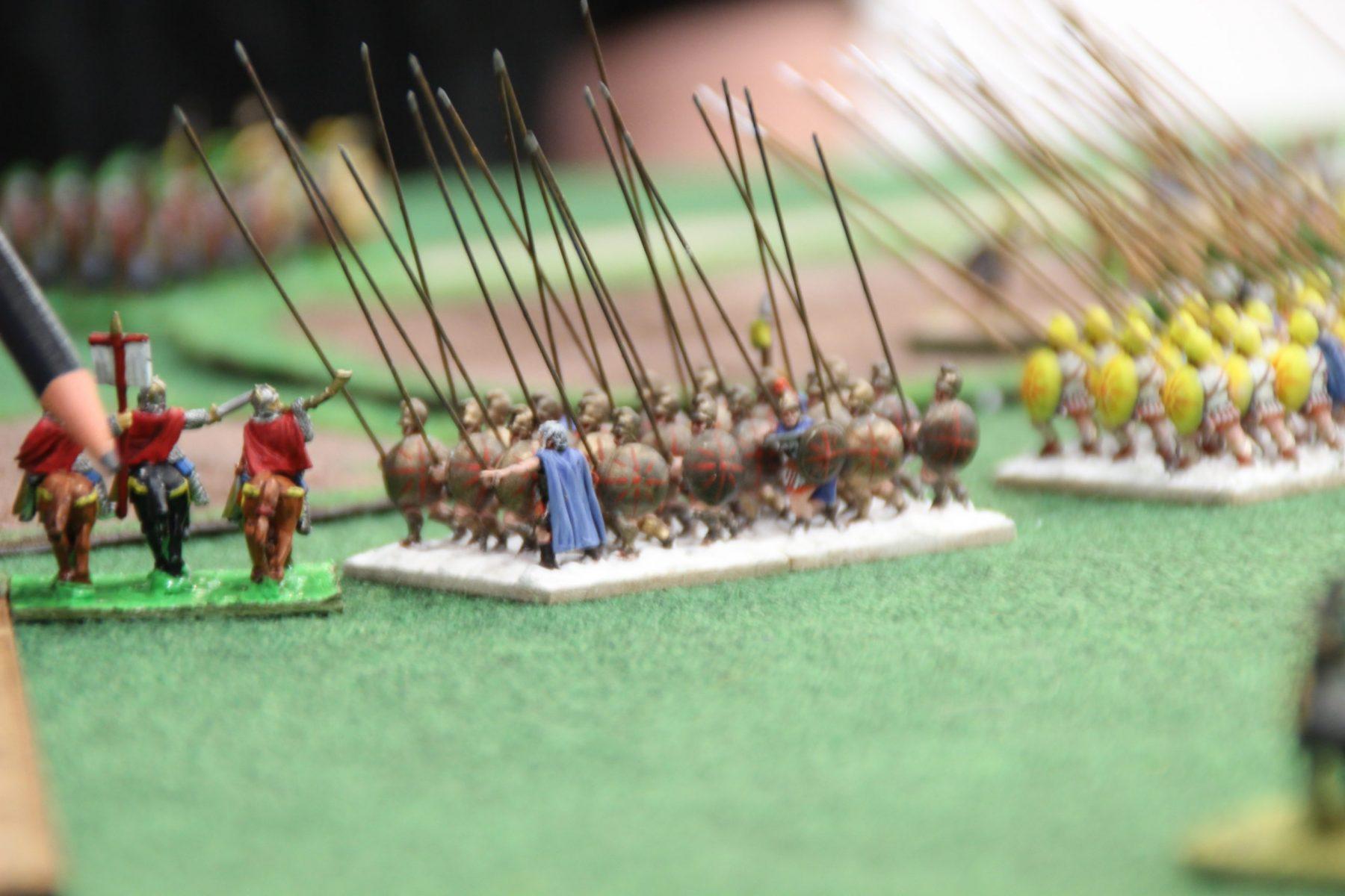Les phalanges Macédoniennes percutent la cavalerie romaine bas empire !