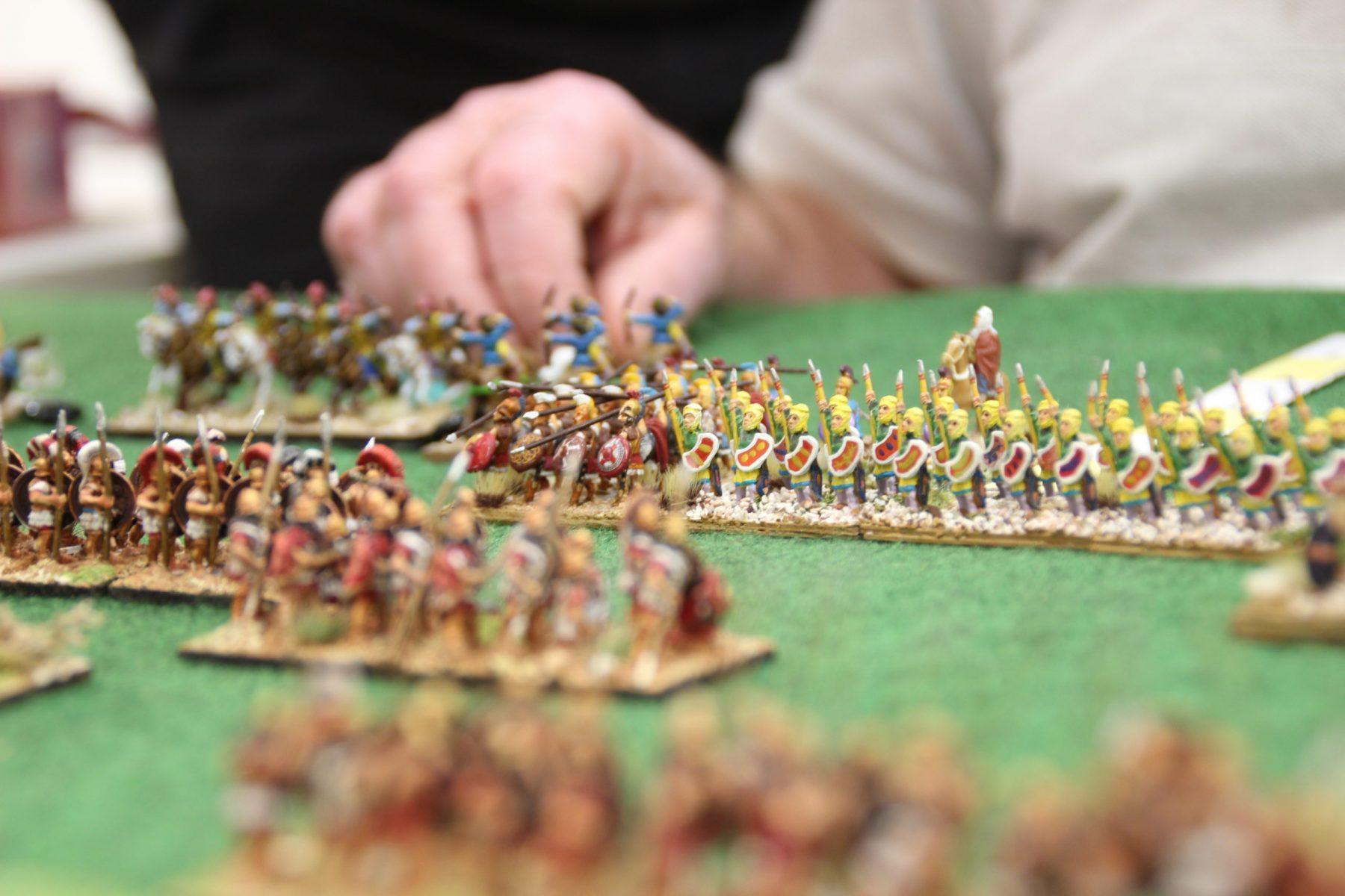 L'infanterie lourde des perses rentrant en contact avec les hoplites grecs classiques.