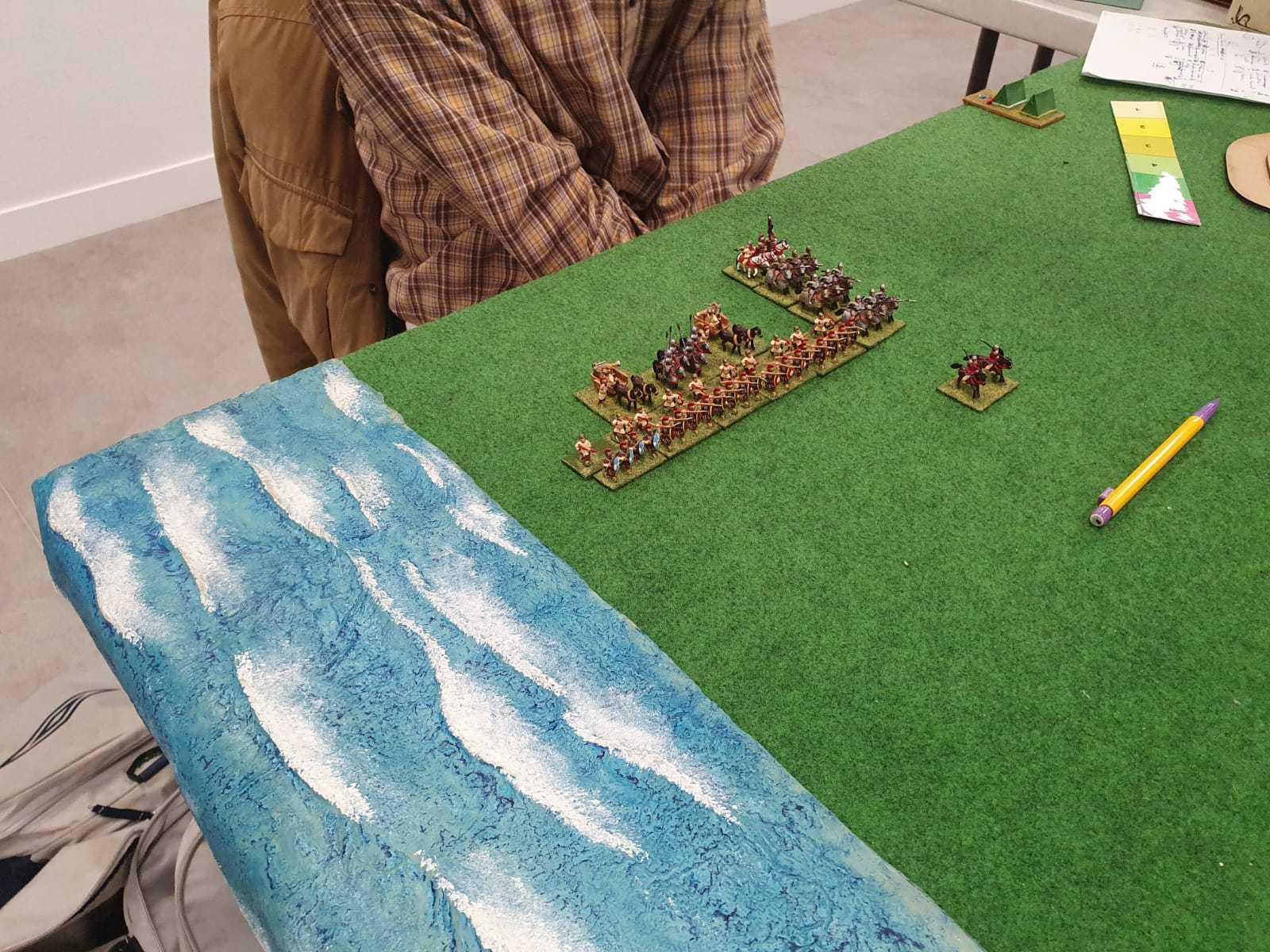 Une armée de Romains Bas empire se prépare à commencer la bataille.