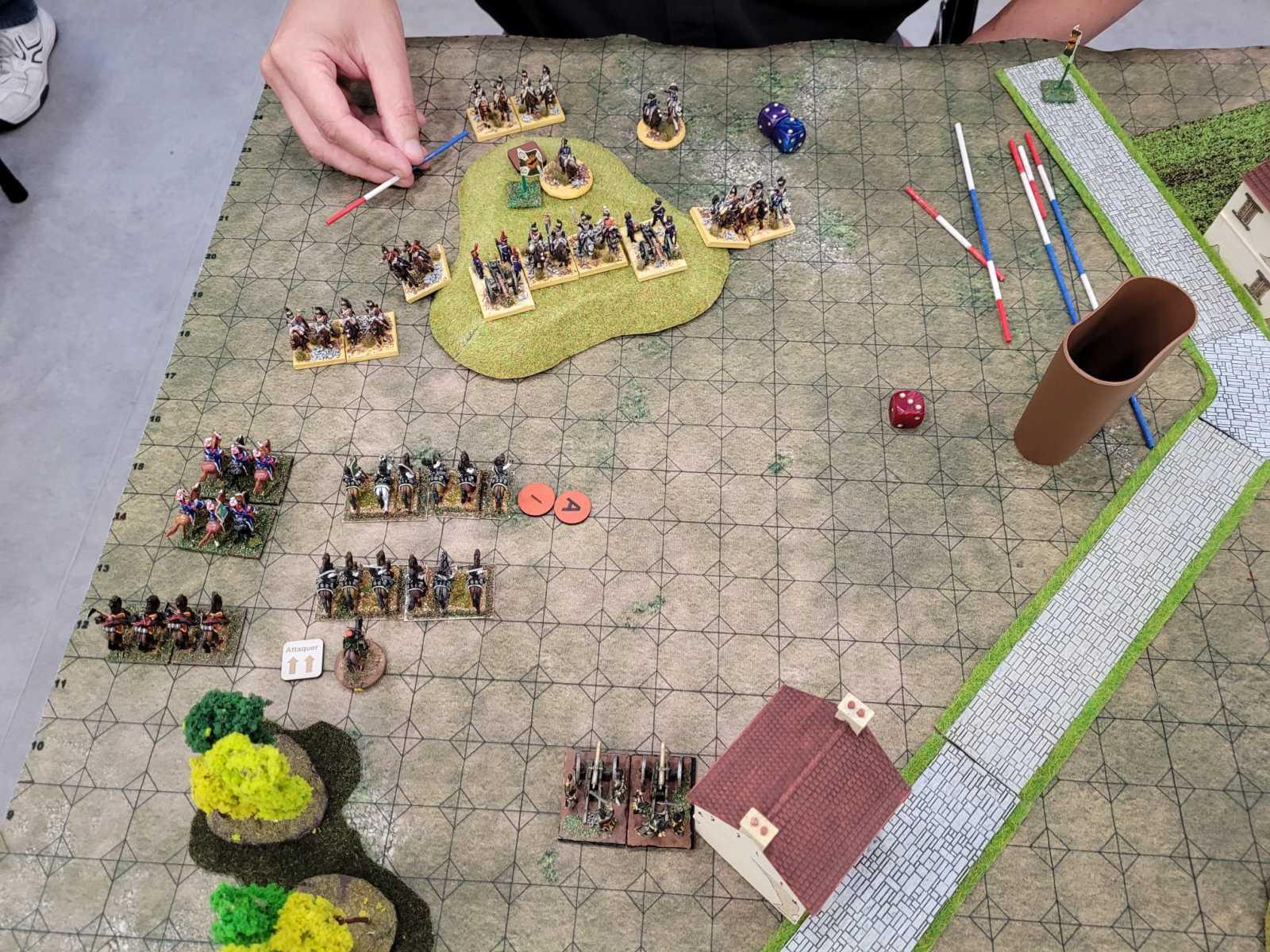 Les Français prennent position sur une colline afin de pilonner les Russes.