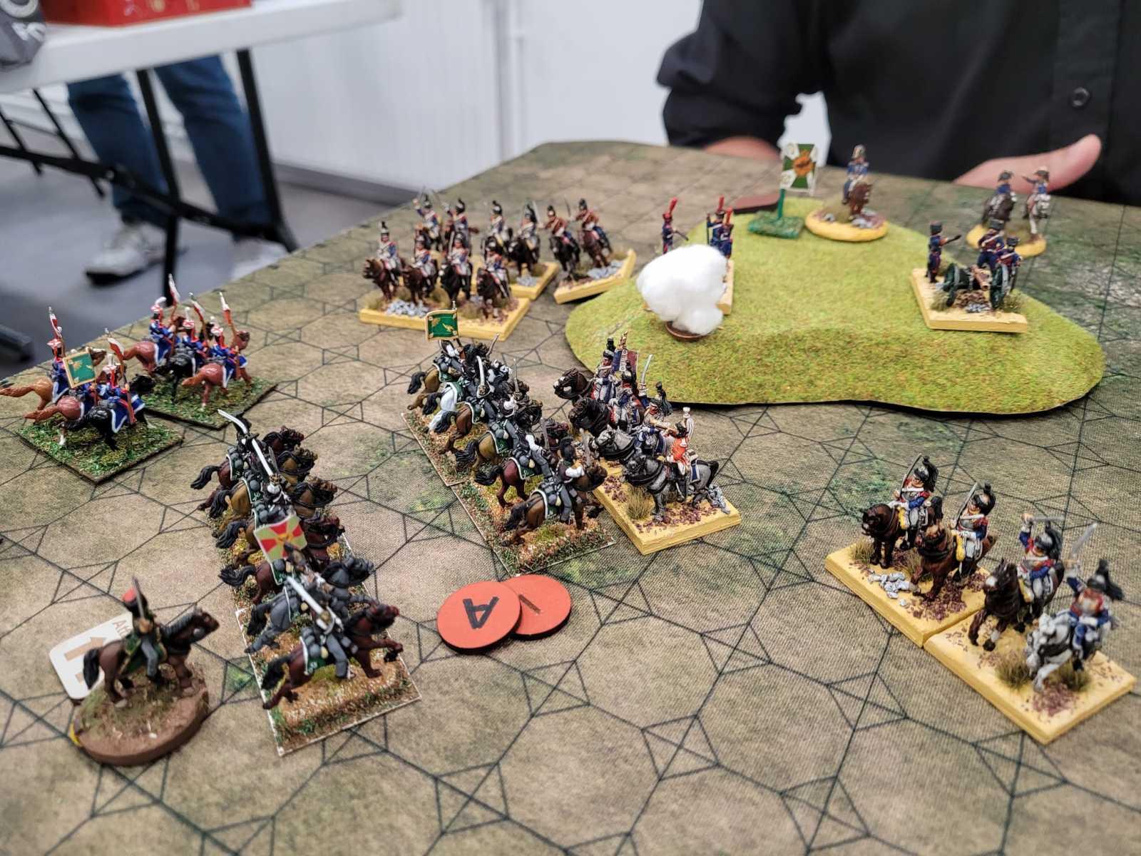 Les Français sont délogés de leur colline par une cavalerie Russe en furie.