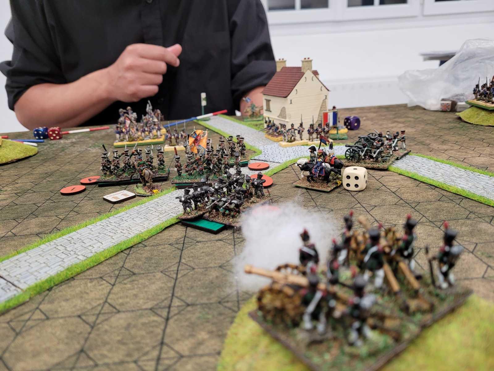 Au centre du champ de bataille, on en vient aux baïonnettes...