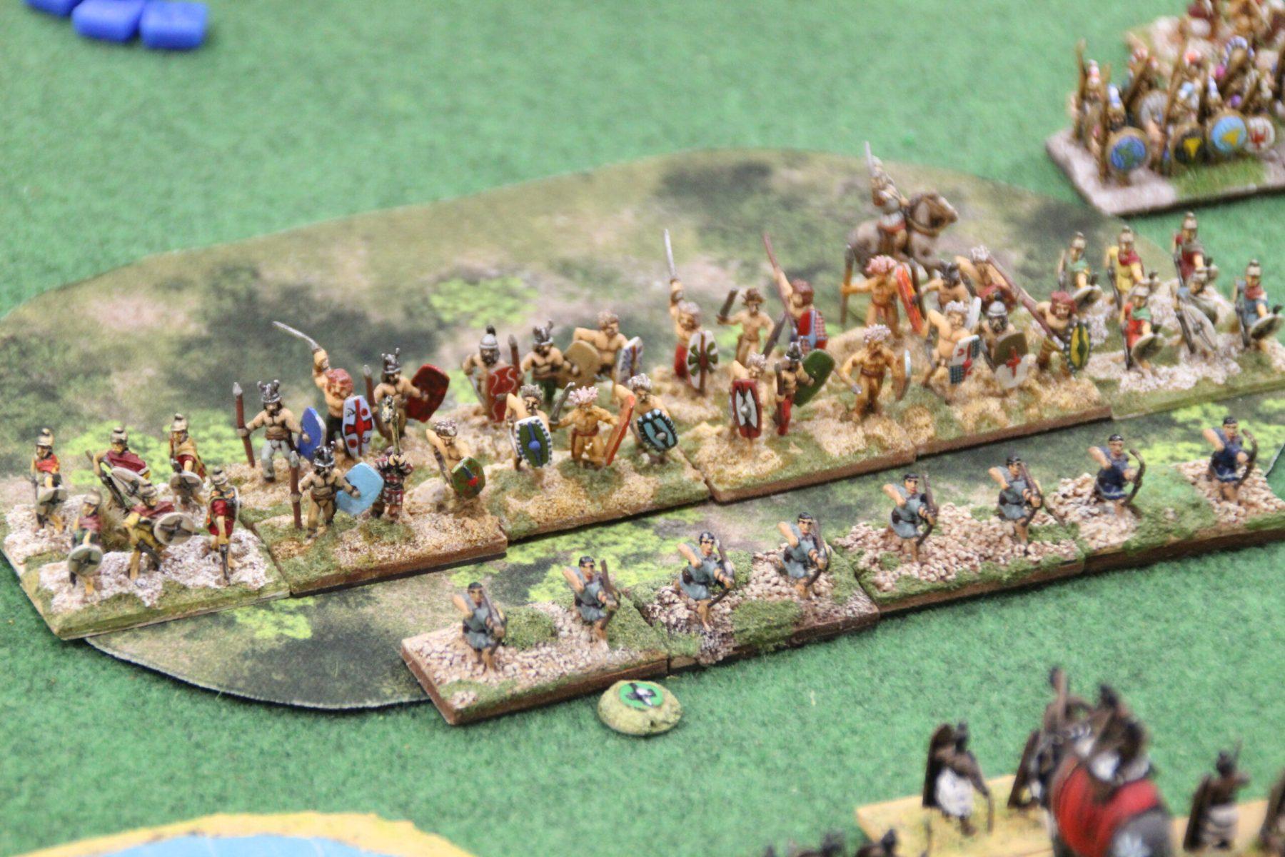 Des alliés Gaulois apportent un soutien aux Spartiates dans les terrains accidentés.