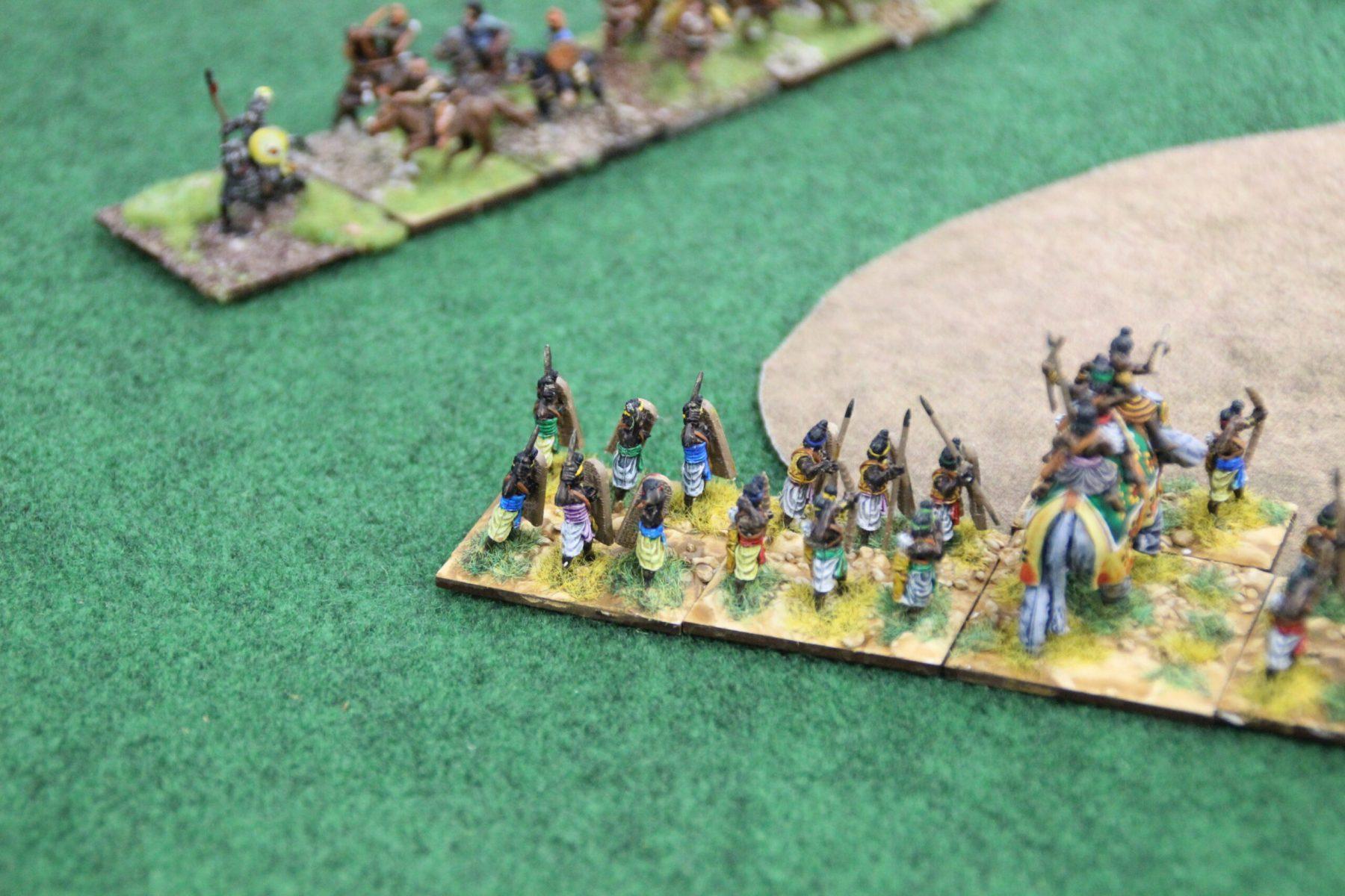Sur un autre champ de bataille, d'autres Indiens Classiques affrontes les terribles Huns !