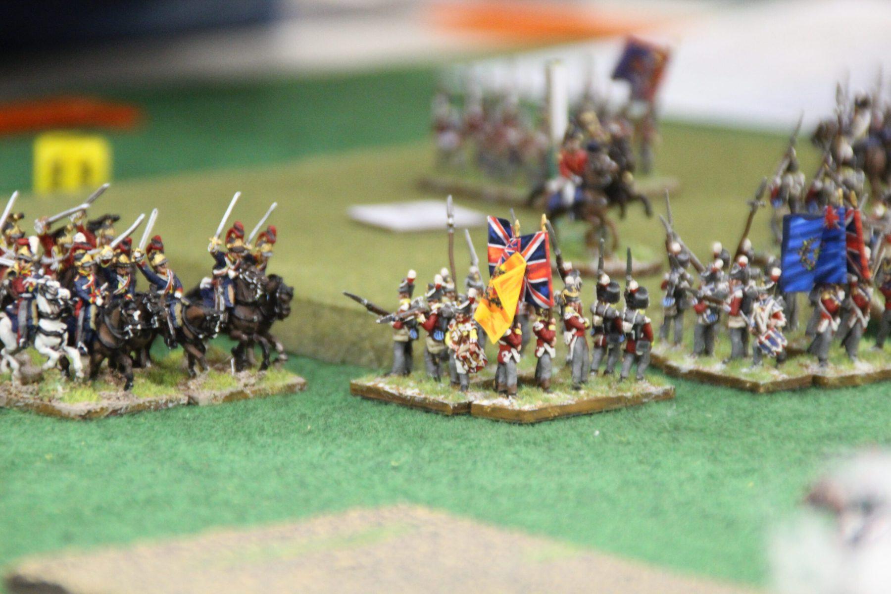 L'infanterie Anglaise se met en carré afin de décourager la cavalerie adverse.