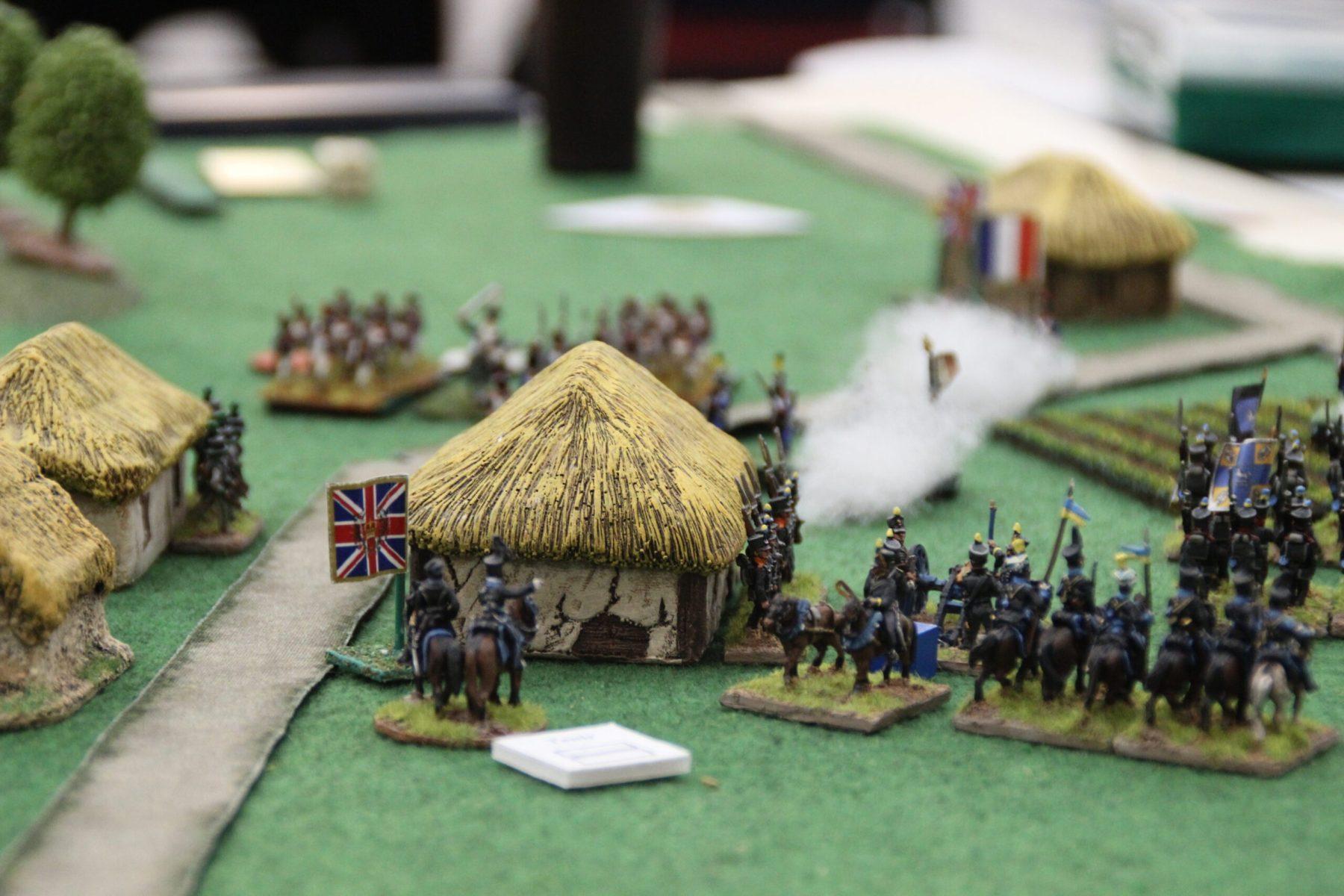 Cavalerie de Brunswick vue de dos. En face, les Français.