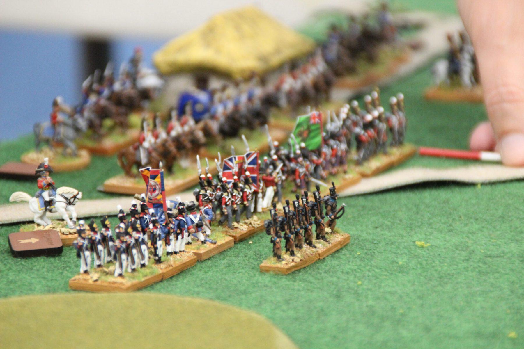 La ligne Anglo-Portugaise avance sur les positions ennemies.
