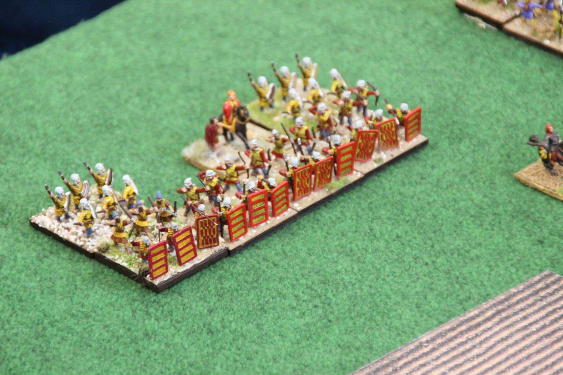 Des Sparabaras et Immortels se mettent à tirer sur les Romains !