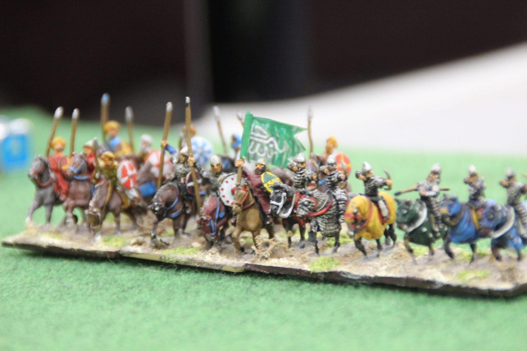 Le général des cavaliers Arabe avance vers les Vikings.