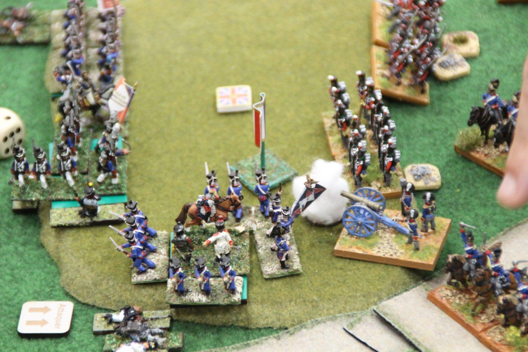 La bataille fait rage et la colline semble disputée...