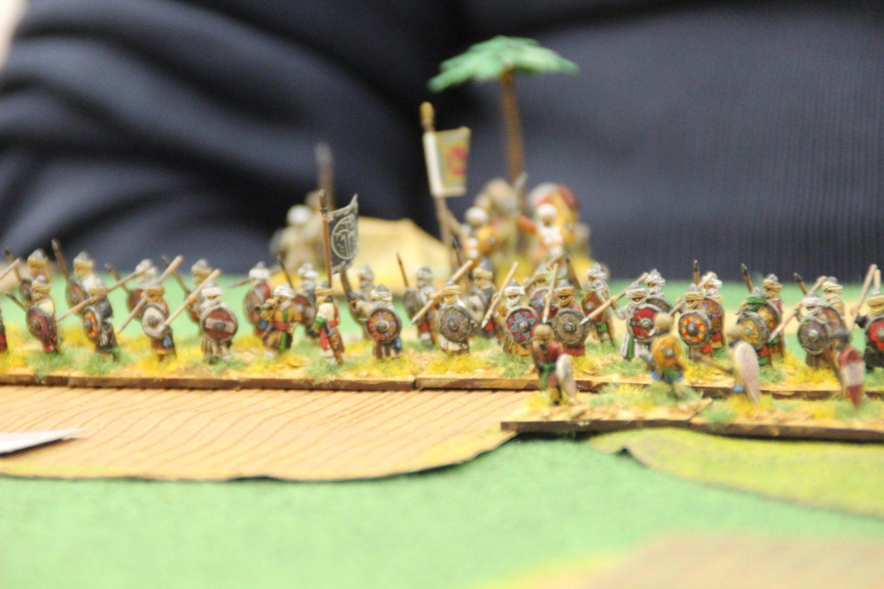 L'armée Arabe défendant chèrement son camp.