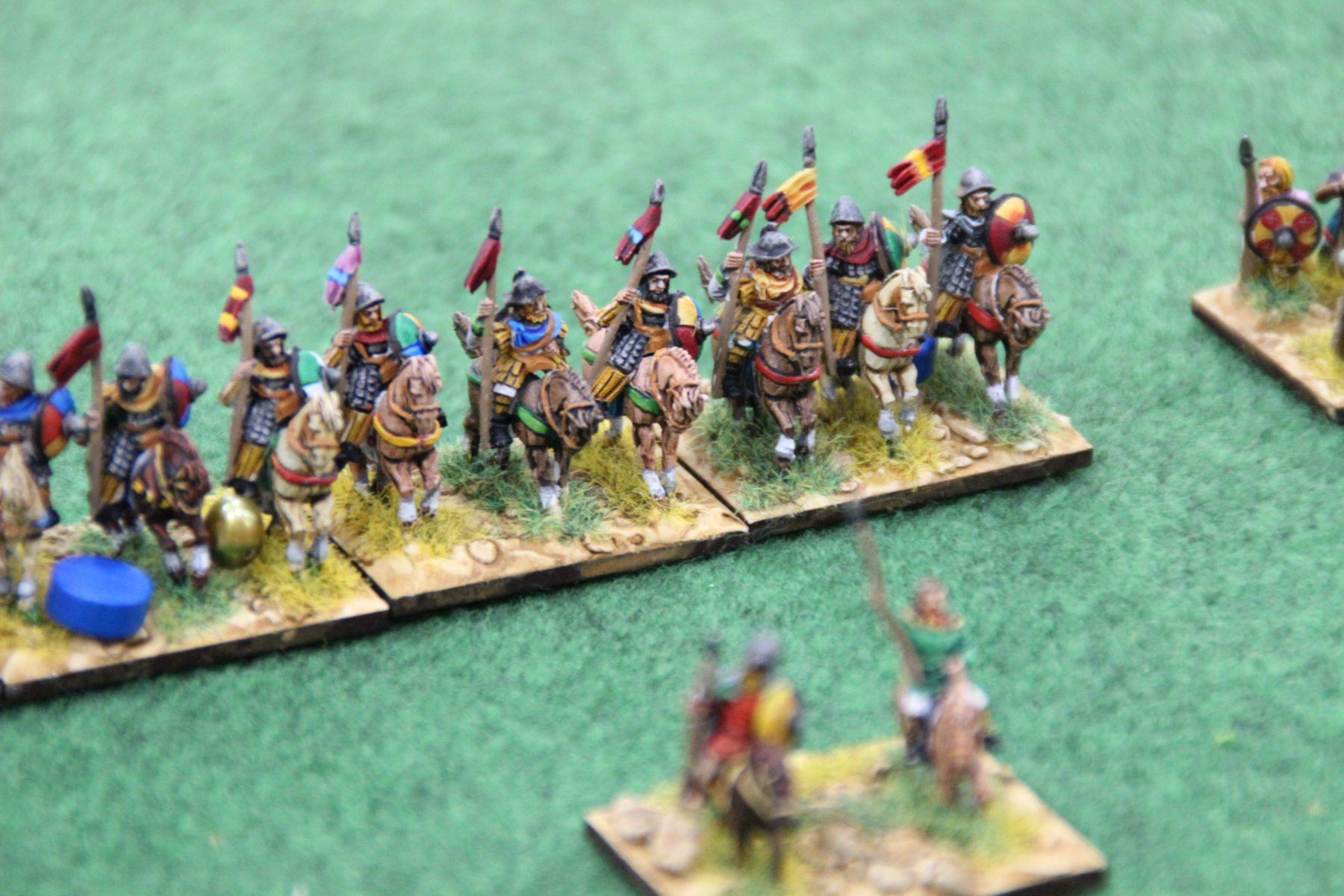 La cavalerie lourde des Francs s'apprête à charger l'ennemi.