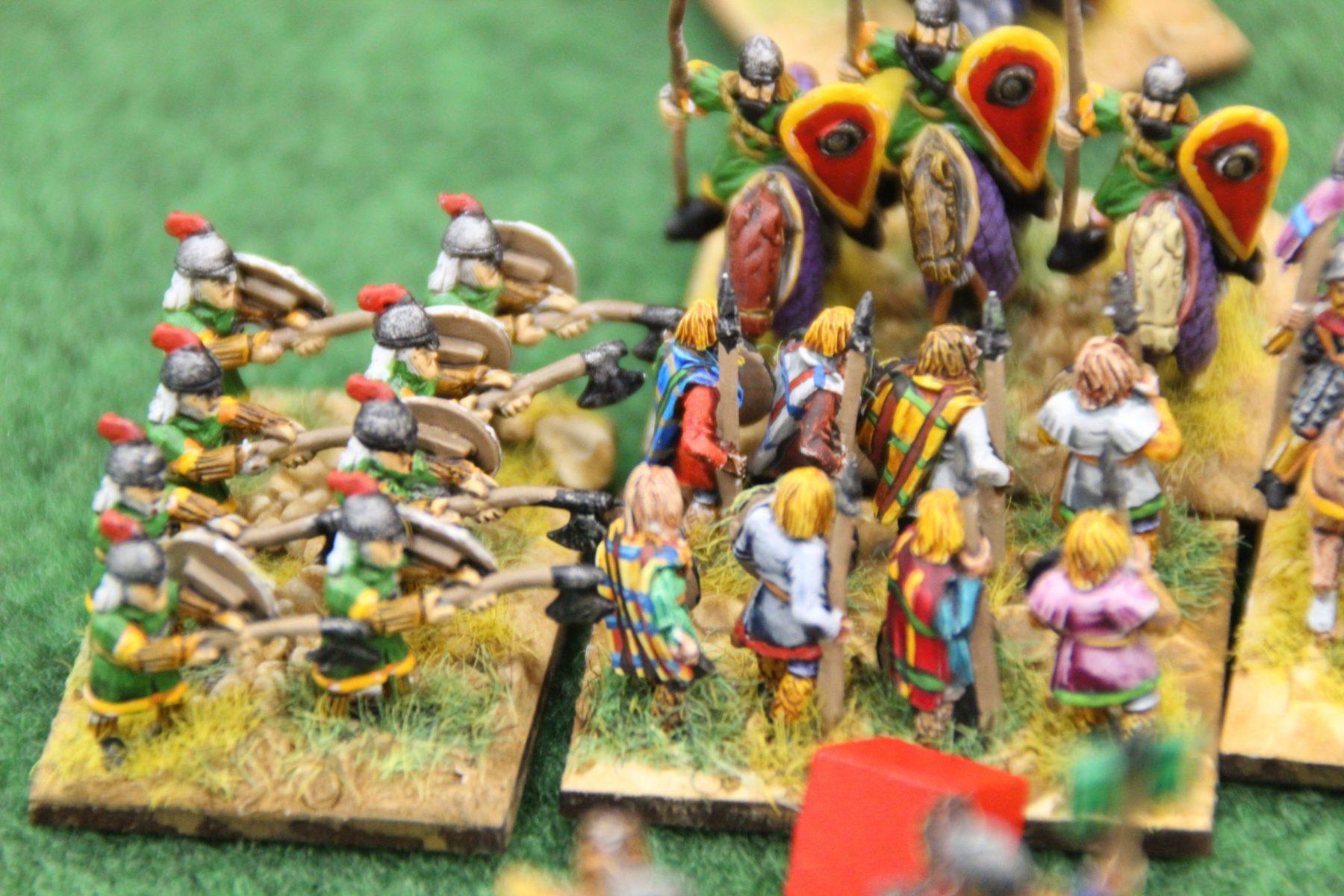 Les mercenaires Varègues prennent une unité de lanciers lourds de flanc !